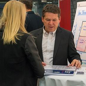 Firmen aus dem Softwarepark Hagenberg präsentieren sich bei Netzwerkveranstaltungen.