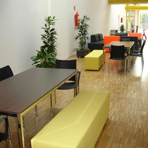 Get-together Zone im Gebäude Arbeiten & Wohnen